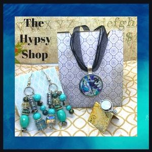 Jewelry set. Necklace earrings and ring .